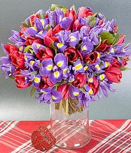 flori-de-vara-buchet-lalele-si-irisi